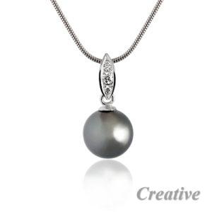 Privesek-perla-bile-zlato-brilianty